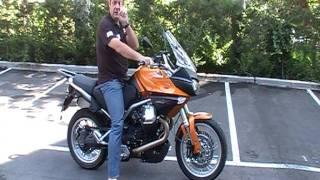 Como bajarse de la moto