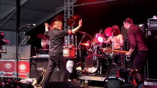 VIDEO: Swans at Bonnaroo