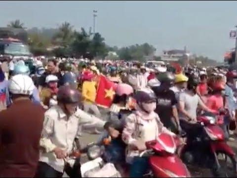 Hàng ngàn người biểu tình ở Quảng Ngãi