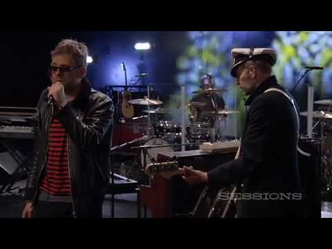 Gorillaz - Broken Live (Aol Sessions)