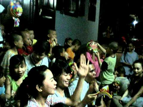 Đón Trung Thu cùng các em bé mồ côi chùa Từ Hạnh Q6