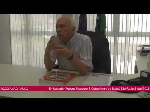 O Conselheiro da Escola São Paulo Rubens Ricupero