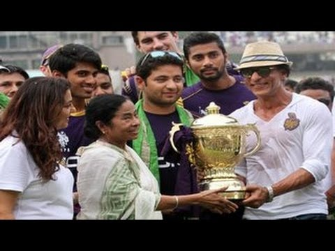 Shahrukh Khan celebrates IPL 2014 KKR win at Eden Gardens!
