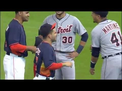 Miggy greets Altuve by picking him up