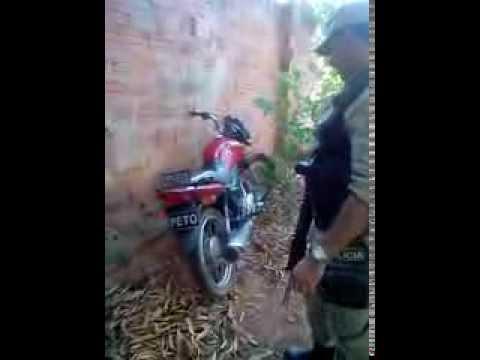 Moto utilizada por marginais em diversos assaltos em Brumado é encontrada em matagal pela polícia