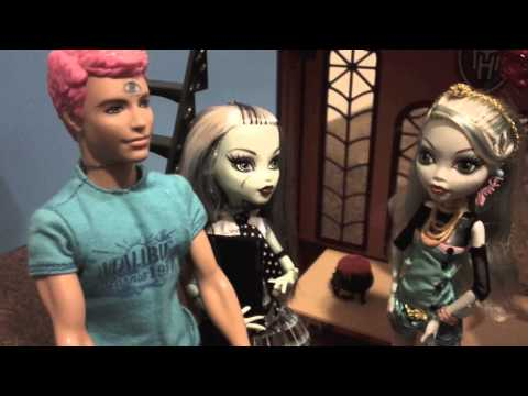 Monster High: Frankie Stein Gets a Date