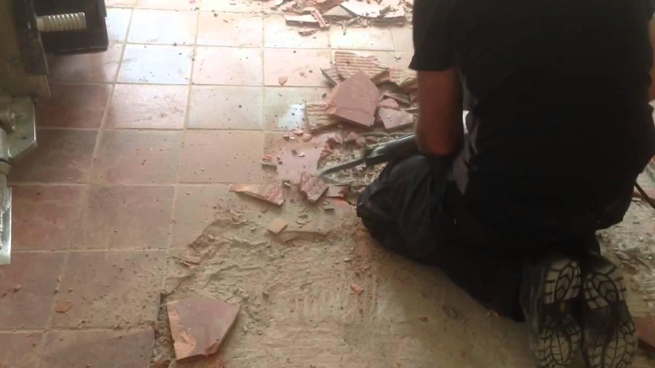 VloerSterk   Oude tegelvloer verwijderen met kangoo boormachine   YouTube