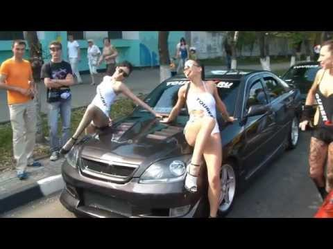 Девочки отжигают на автопробеге двигателей 1JZ-GTE
