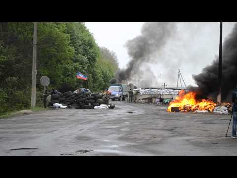 Sloviansk - April 30th - Blockpost attacked by Ukrainian army...