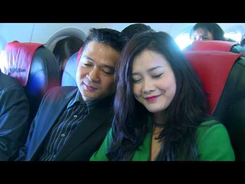 Đám cưới trên máy bay VietJetAir gây sốt thế giới mạng