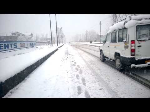 First Heavy Snowfall of the Winter 2013 in Srinagar