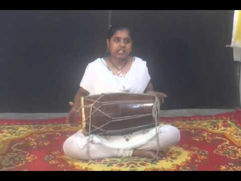 Saraswati Musical Classes(SMC) student SHIKHA TIWARI perform DHOLAK in her RAJAJIPURAM branch LKO