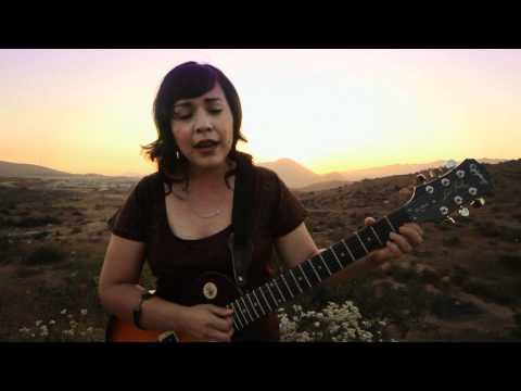 Carla Morrison - Compartir [VIDEO OFICIAL], Carla Morrison - Compartir Video Producido por Artileria de Tijuana B.C. Carla Morrison Musica/ Cosmica Records Written by : Carla Morrison Produced by: Nata...