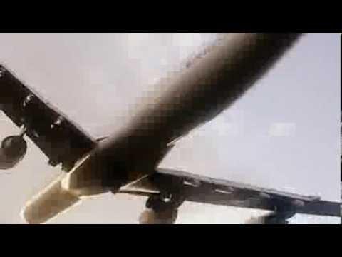 Aterrizaje en el aeropuerto Juan Santa Maria