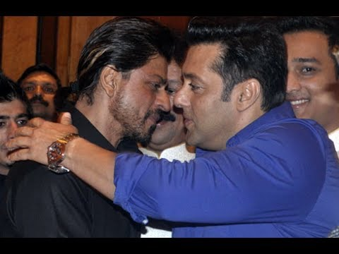 Shah Rukh Khan, Salman Khan repeat famous hug at Iftaar party-2014