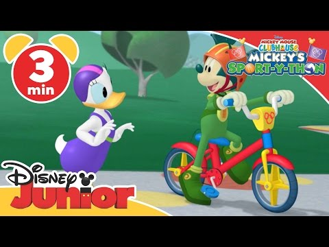 Mickey Mouse Clubhouse | Mickey's Sport-Y-Thon: Relay Race | Disney Junior UK