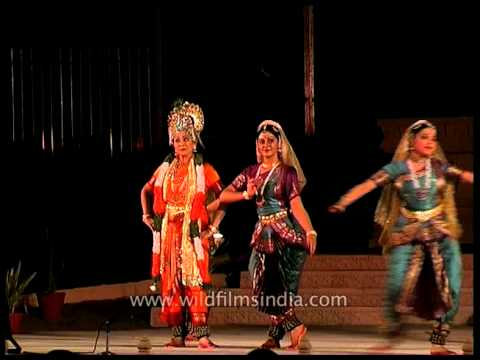 Step to step with Lord Krishna! - Khajuraho Dance Festival