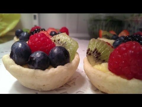 Vanilla-almond Fruit Tart