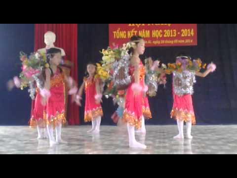 Múa Cô giáo em là hoa Epang - Văn nghệ lớp 1A Th Xuân Ái-Văn Yên