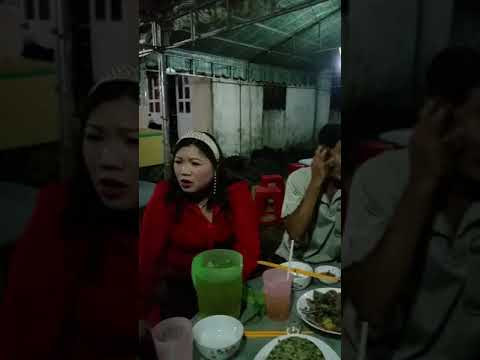Hat dam tang nghe cam dong voi tieng hat Duong Thanh Van