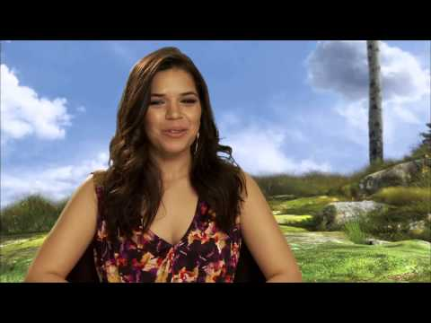 HOW TO TRAIN YOUR DRAGON 2 - America Ferrera (Astrid) Interview