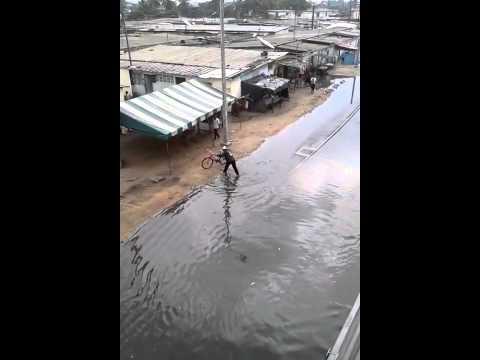 Les oeuvres de Dramane et bouygues:l'anarque du siécle!le nouveau pont HKB après 45mn de pluie