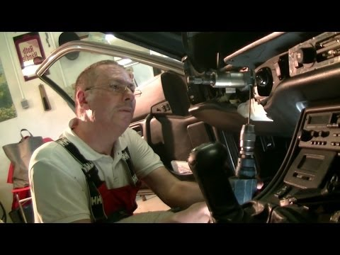 Ремонт блокировки рулевого колеса на Porsche 944