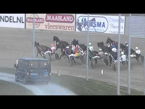 Vidéo de la course PMU CHAMPIONNAT D'HIVER (BOKO CHAMPIONS)