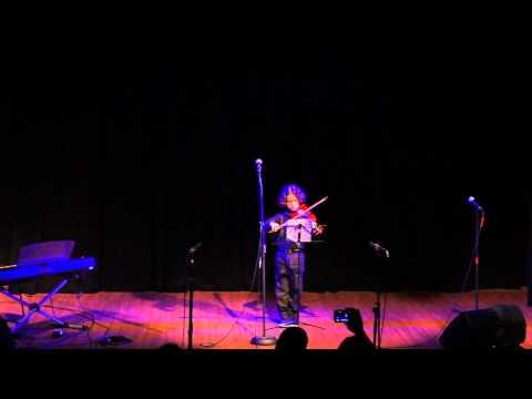 VIVA Escola de Artes - Edmilson Luiz Freire Freitas toca