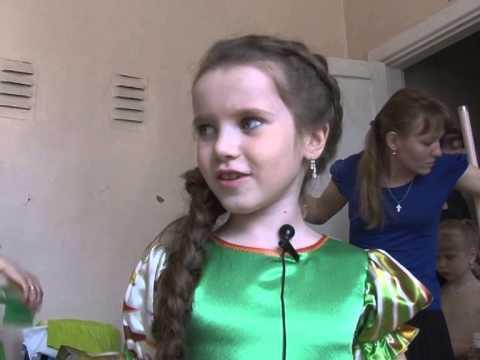 В Мысках прошел городской детский конкурс «Варвара-краса — длинная коса»