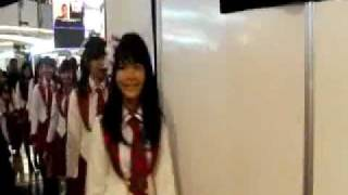JKT48 @FX ATRIUM 14 januari 2012  --- MEMBER SAY GOODBYE ON BACKSTAGE