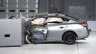 2013 Nissan Sentra kaza testi - IIHS