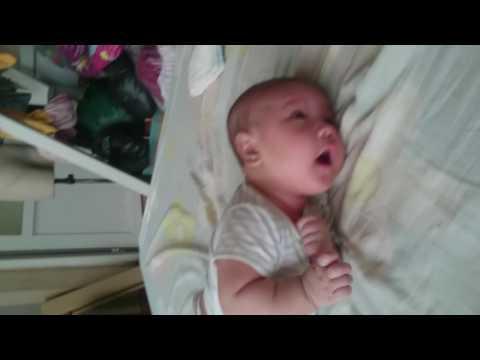 Lê Minh Khôi ( bé Tôm boy) 3 tháng 10 ngày biết nẫy
