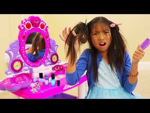 Wendy Pretend Play Fun PRINCESS Dress Up and Makeup Kids Toys for Girls