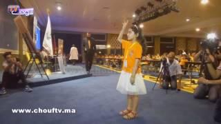 بالفيديو..أصغر فتاة فاسية أسرع من الآلة الحاسبة في الرياضيات.. شوفو كيفاش كتحسب | خارج البلاطو