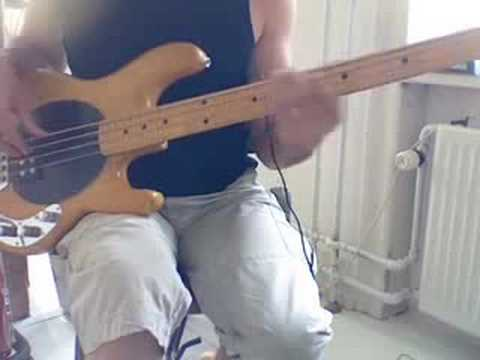L111 The James Brown chord for bass