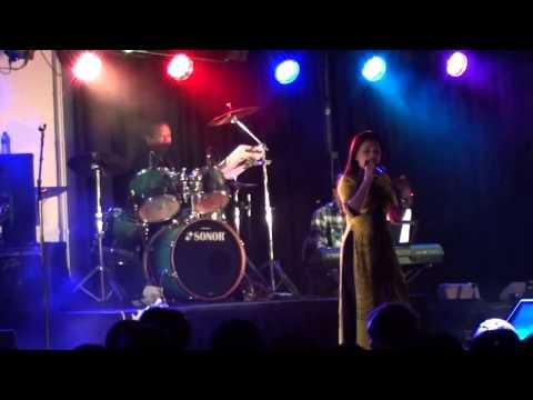 Như vạt nắng & Người tình mùa đông - Như Quỳnh Live Holland (2013)