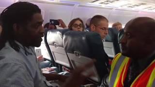 طرد مسافر من طائرة أمريكية لاستخدامه دورة المياه   |   زووم