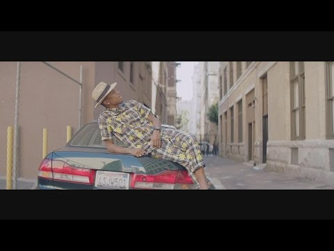 (Nasce uma estrela) Pharrel Williams - Happy (Official Music Video)