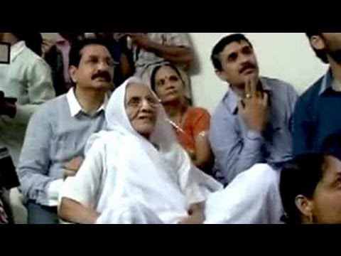 Narendra Modi's mother watched him being sworn in on TV