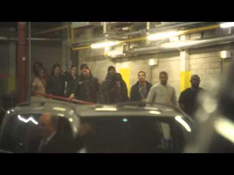 Drake & Rihanna Holding Hands in Manchester