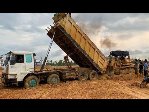 Funny 😅😂 Construction Dozer Rescue Extreme Weak Power Of Hyundai Dump Truck