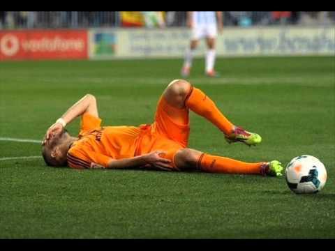 Cristiano Ronaldo injures Karim Benzema in Malaga clash