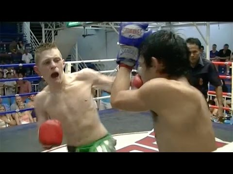 Calvin Mclintock VS Denchiangrai Sor Jalurnsak: Bangla Boxing Stadium, 20th July 2014