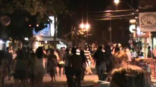 O agito de Porto de Galinhas à noite na rua da Esperança view on youtube.com tube online.