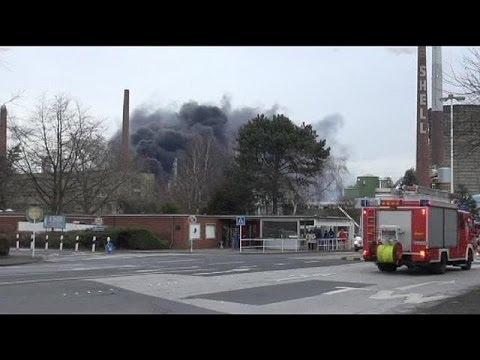 حريق وانفجار في مصفاة للنفط في ألمانيا