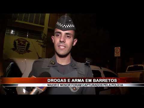 06/05/2019 - Polícia Militar prende indivíduos com drogas e arma de fogo no Bairro Arizona em Barretos