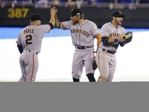 Giants Club Royals, Take 1-0 World Series Lead