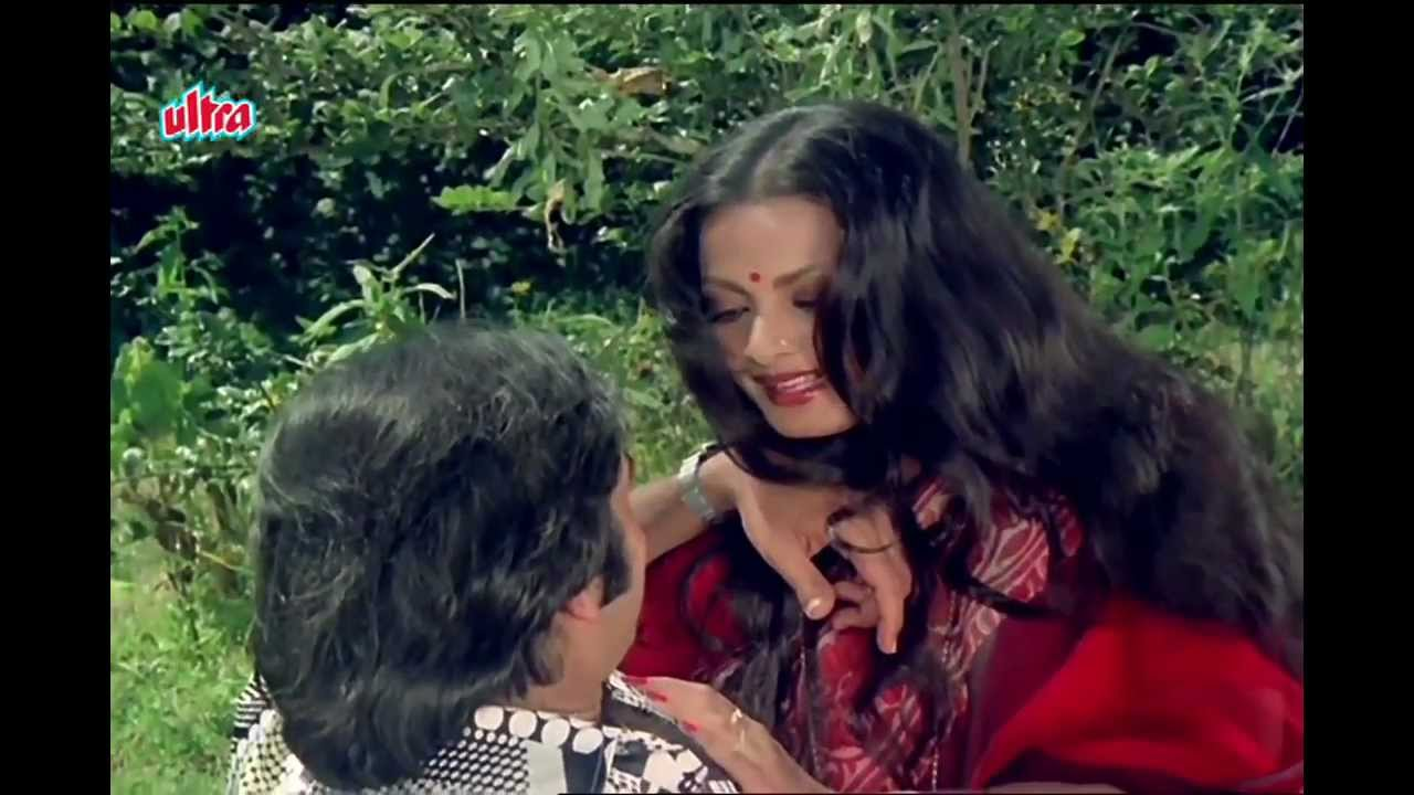 Aaj Kal Paon Lyrics from Ghar | LyricsMasti.Com
