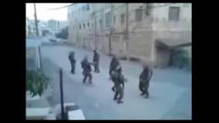 החיילים הרוקדים